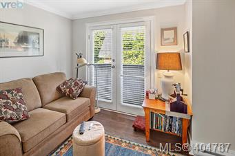 1030 Carberry Gdns