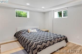 2943 Henderson Rd