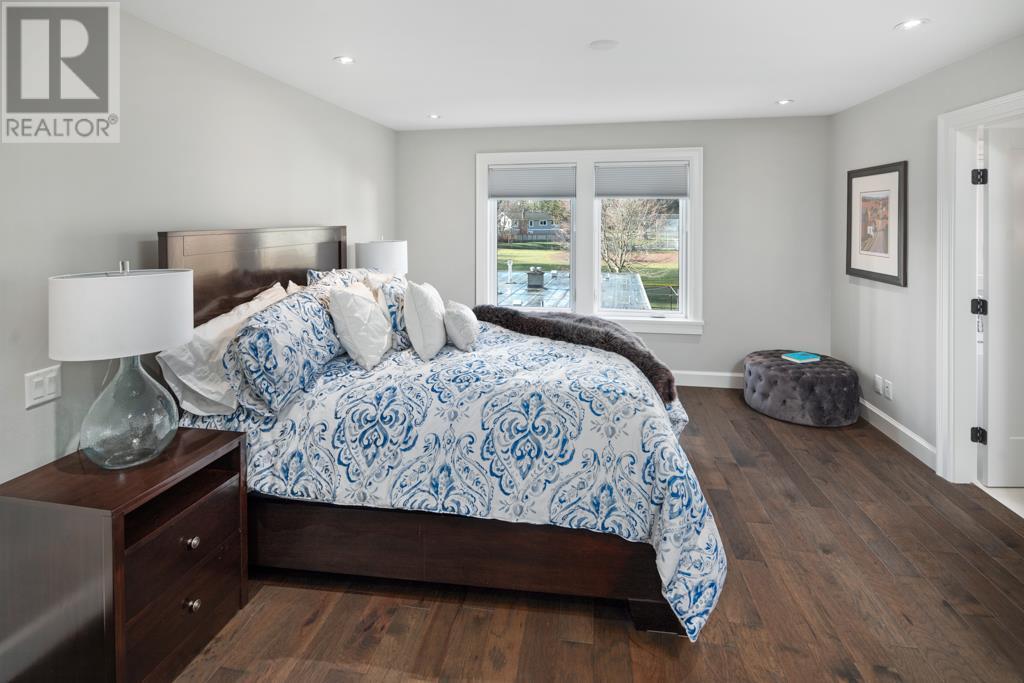 2585 Cranmore Rd, Victoria, British Columbia  V8R 1Z9 - Photo 18 - 419996